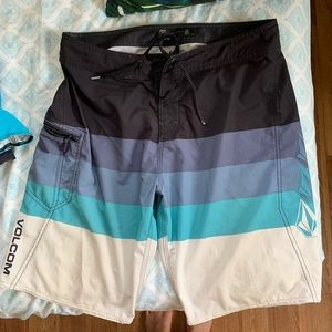 Bundle of 2 board shorts